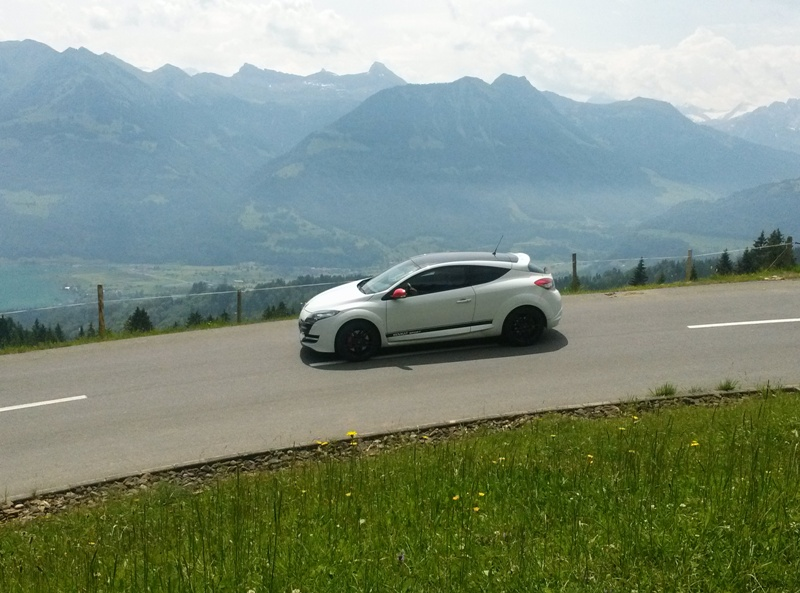 Rijden in de Alpen. Niets liever!