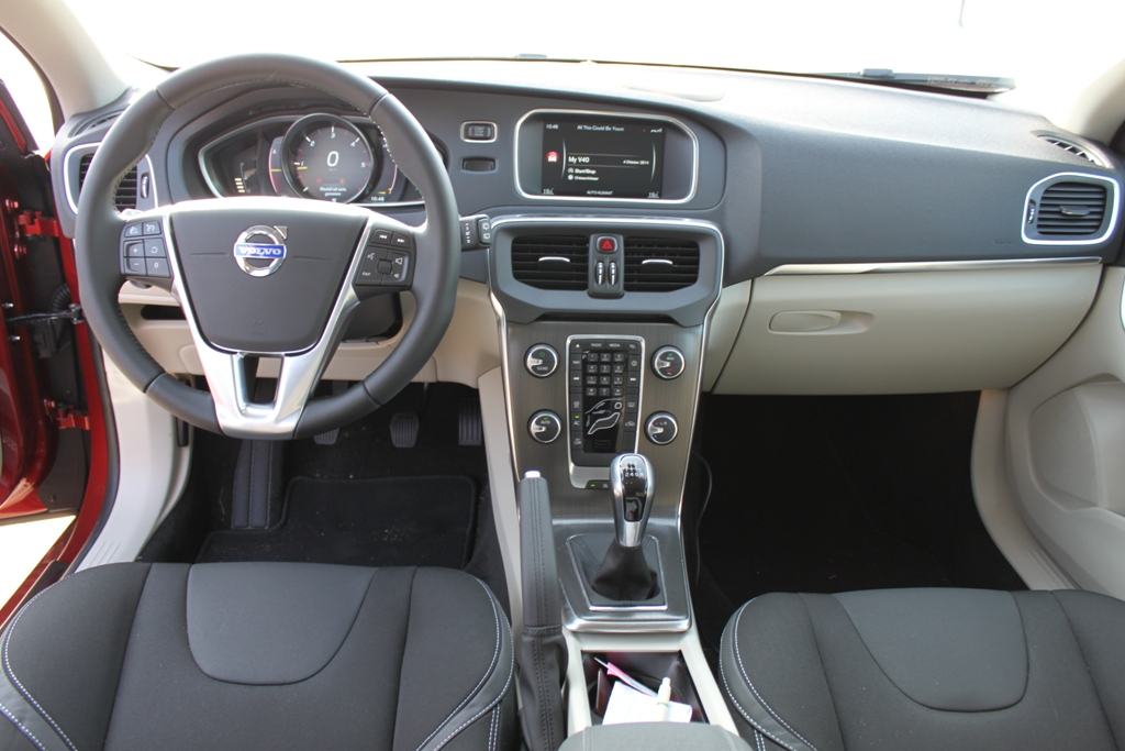 rijtest volvo v40 d4 business
