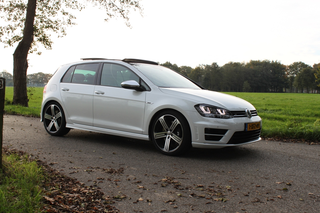 Rijtest Volkswagen Golf R