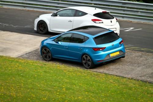 Op slecht asfalt is de Cupra superieur aan de Megane RS.