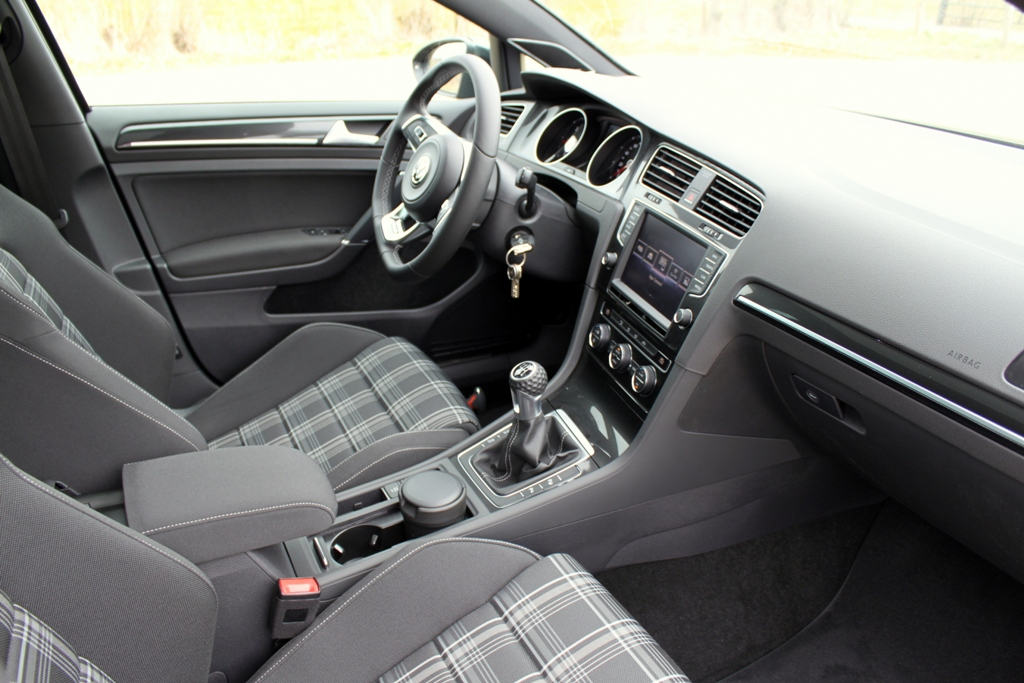 Volkswagen golf gtd for Interieur golf 7