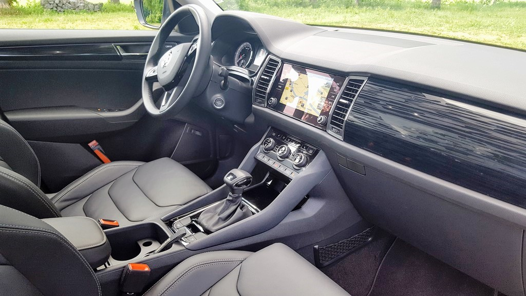 Rijtest skoda kodiaq 2 0 tdi 150 pk style business for Interieur kodiaq