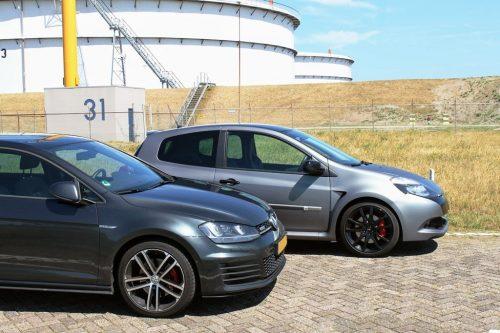 Foto Renault Clio RS en Volkswagen Golf GTD