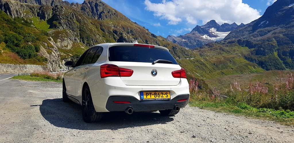 Foto achterkant BMW M140i