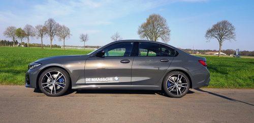 Foto zijkant BMW 330i