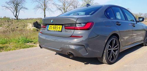 Foto achterkant BMW 330i
