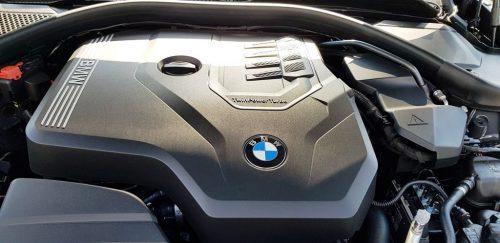 Foto motorruimte BMW 330i