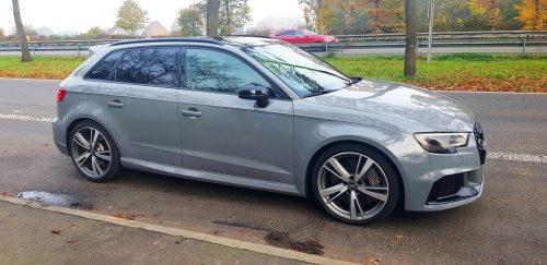 Foto Audi RS3 op Parkplatz