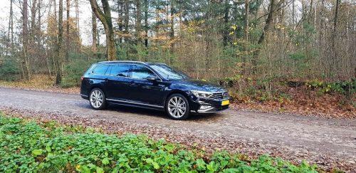 Foto zijkant Volkswagen Passat Variant