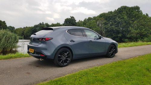 Foto achterkant Mazda 3