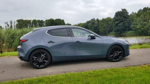 Mazda 3 zijkant