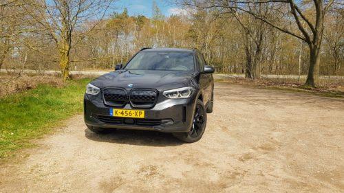 BMW iX3 voorkant