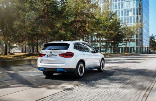 Witte BMW iX3