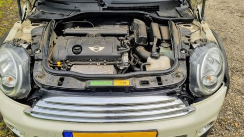De 1.6 liter atmosferische motor is in de 2012 Mini Cooper goed voor 120 pk.